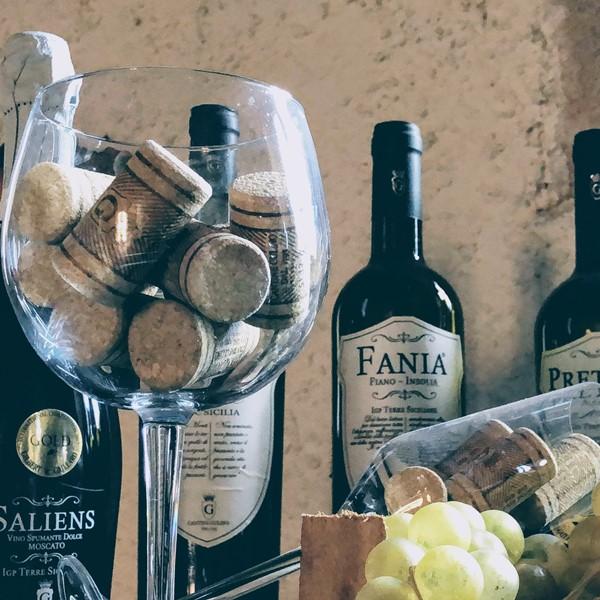 Italian white wine Fania - Cantine Gulino