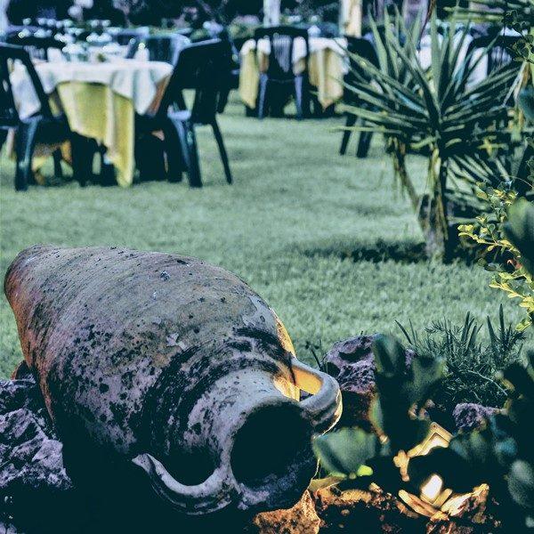 Degustazioni-ed-eventi-in-giardino-Cantine-Gulino.jpg